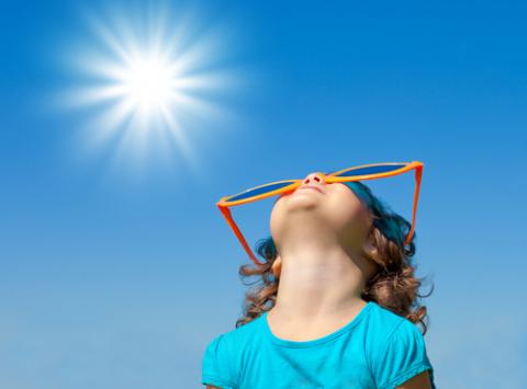 https://www.narayanahealth.org/blog/sunscreens-in-children-make-children-sun-safe/